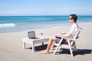 laptop-at-beach