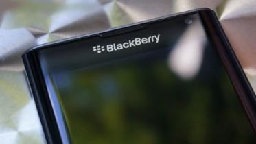 blackberry-priv-review_ubergizmo_17-640x359