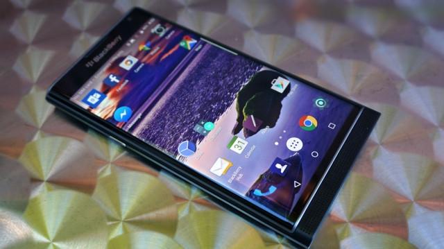 blackberry-priv-review_ubergizmo_22-640x359