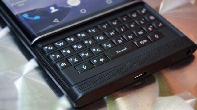 blackberry-priv-review_ubergizmo_07-640x359