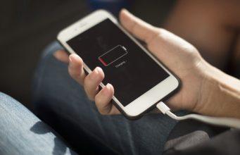 Comment économiser la batterie du téléphone pendant votre voyage