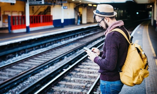 How to prepare to travel with an Android smartphone