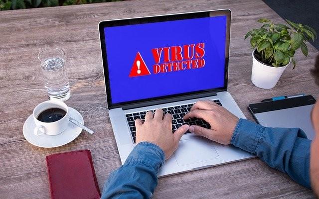 logiciels malveillants et de virus